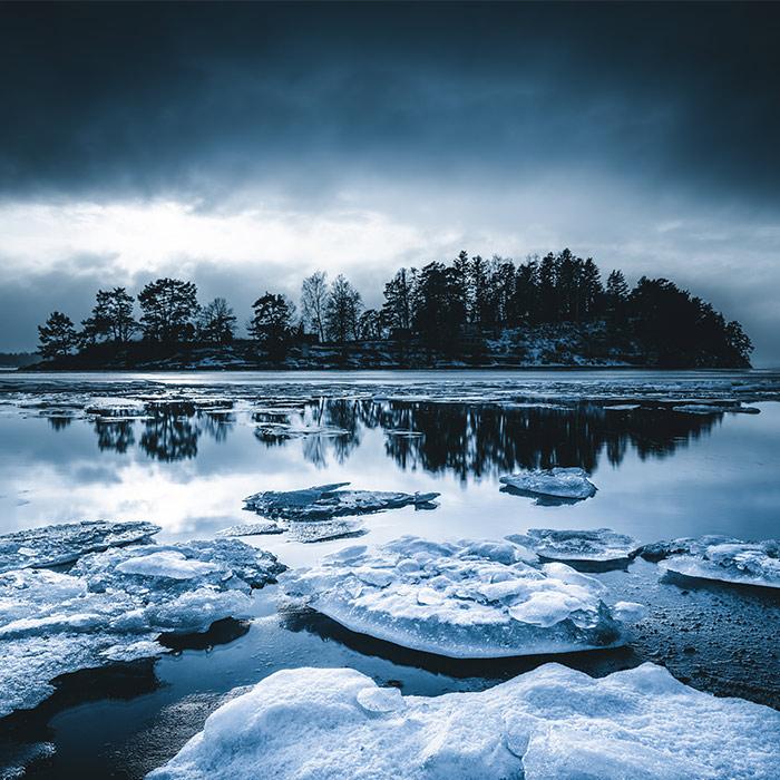 front_square_winter_sea